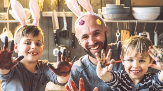 Dad and children in kitchen