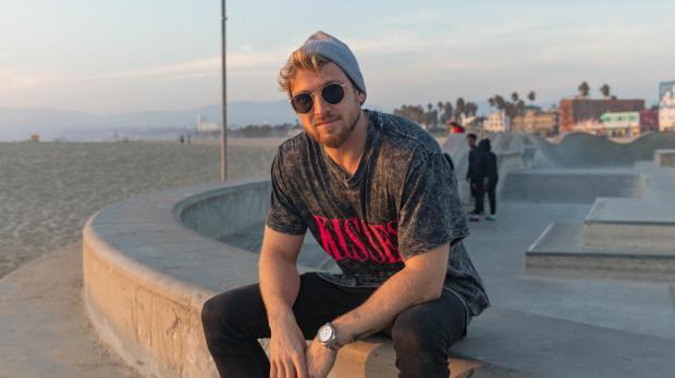Reality TV star Sam Thompson is doing a live streaming gaming challenge for Barnardo's